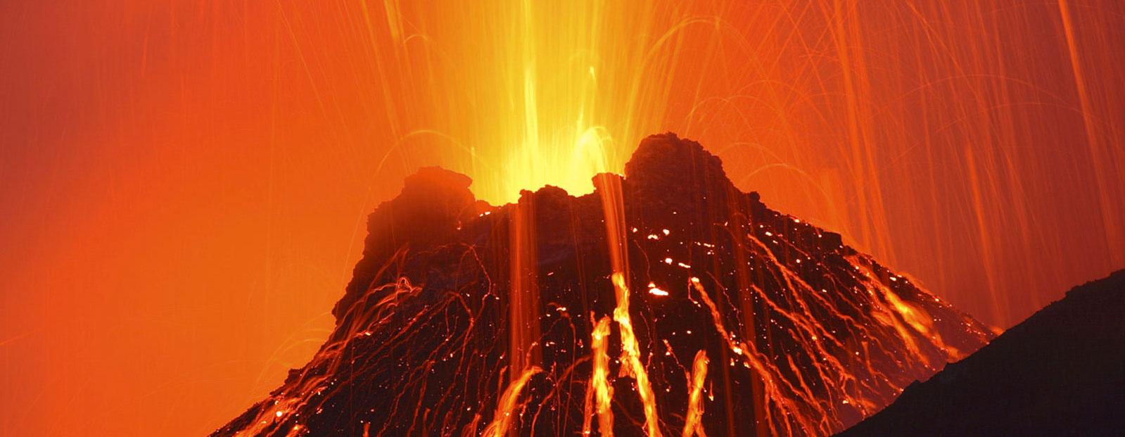 Stromboli-Volcano-Italy_2