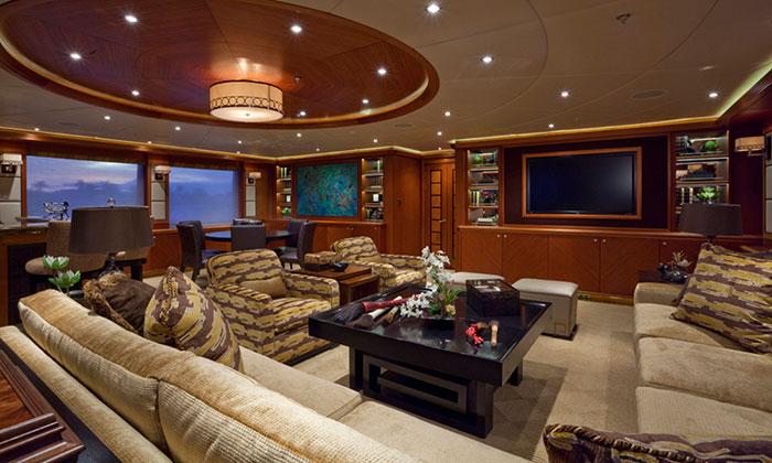 Crociere private di lusso yacht a motore noleggio yacht a for Interni di lusso