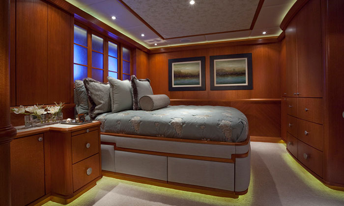 Crociere private di lusso yacht a motore noleggio yacht a for Design di cabine di lusso
