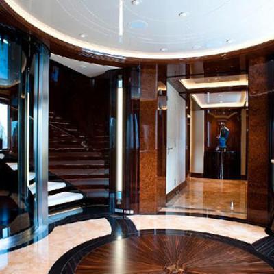 Yacht a motore di lusso per crociere private excellence v for Cabine di lusso gigantesche